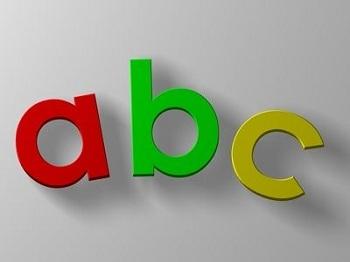 初心者がオンライン英会話スクールを選ぶ時のポイント 多くのオンライン英会話スクールでは、英語の初