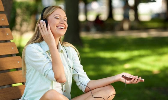 リスニング力やスピーキング力のアップはオンライン英会話の方が期待できる